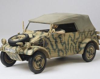 Сборная модель Немецкий Kubelwagen Type 82 (European Campaign), с фигурой водителя.