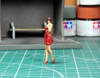 Фигурка Дора в красном (платье в крапинку)