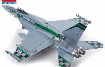 "Сборная модель Самолёт USN F/A-18E VFA-195 ""Chippy Ho"""