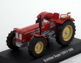 Schlüter Super 1250 V, Тракторы 87