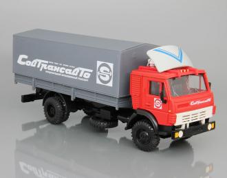 Камский грузовик 5325 с тентом Совтрансавто,  красный / серый