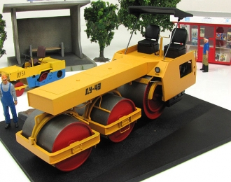 Каток дорожный ДУ-49, желтый чистый