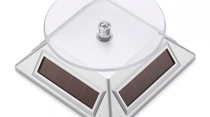 Подиум вращающийся на солнечных батареях (пирамида), серебристый