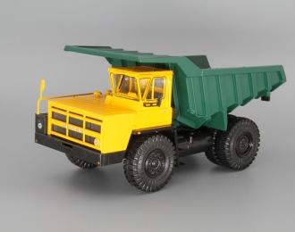 БелАЗ-7522 карьерный самосвал, желтый / зеленый