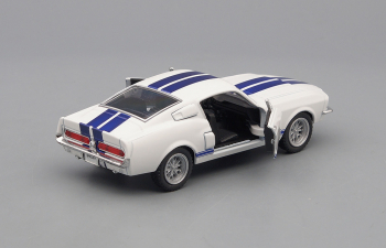 SHELBY GT500 (1967), white