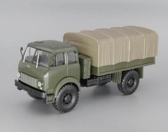 МАЗ-505 (1962) полноприводный грузовик с тентом, хаки
