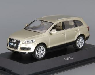 AUDI Q7 4.2 Quattro, bahia beige