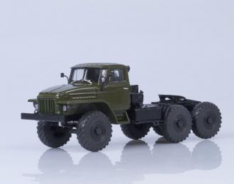 Уральский грузовик 377С 6х4 седельный тягач (1965), хаки