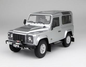 Land Rover Defender 90 (indus silver)