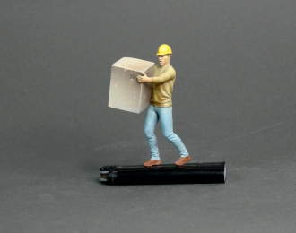Фигура Мужчина несет коробку (масштаб 1:24), окрашенная