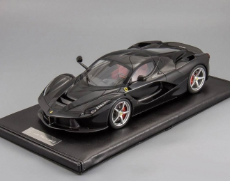 FERRARI LaFerrari (no openings), black