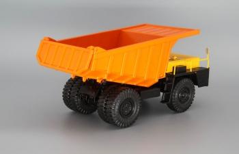 БелАЗ-7510 самосвал-углевоз, желтый / оранжевый