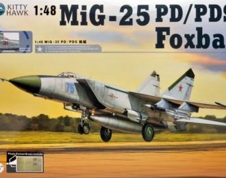 Сборная модель Советский истребитель-перехватчик МиГ-25ПД / ПДС