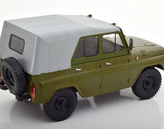 УАЗ-469 с тентом, зеленый