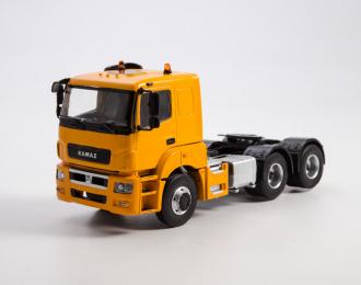 Камский грузовик 65206 седельный тягач, желтый