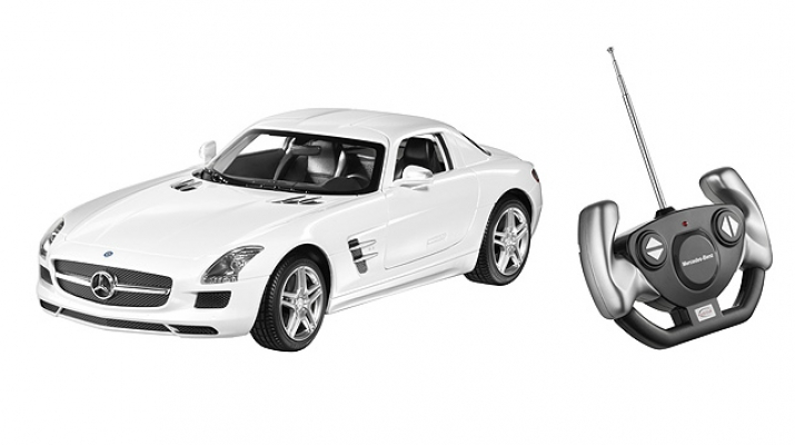 MERCEDES-BENZ SLS AMG Coupe C197, white