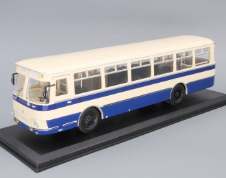Ликинский автобус 677, бело-синий