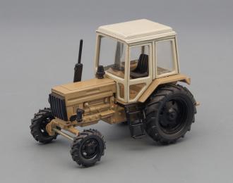 Трактор МТЗ-82 Беларусь (цельнометаллический), серый / бежевый