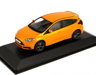 FORD Focus ST (2012), tangerine scream