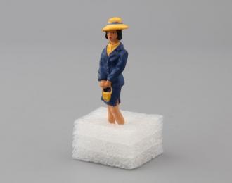 Фигурка Девушка (в желтой шляпе)
