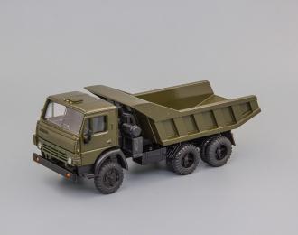 Камский грузовик 5511 хаки,вертикальные рёбра