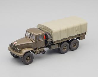 КРАЗ 214Б бортовой с тентом, хаки / серый тент