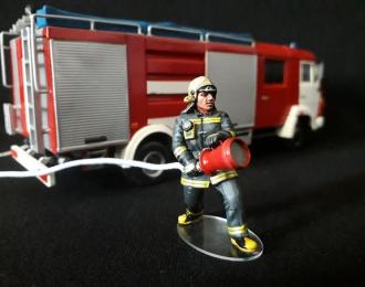 Фигурка Пожарный с ГПС-600