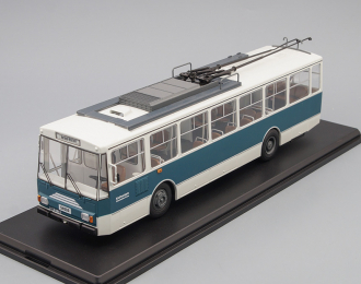 SKODA 14TR Eberswalde 1981 Blue/White