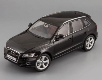 AUDI Q5 Facelift with sun-roof (2013), phantom black