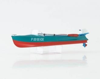 Лодка Казанка-М с вёслами и ПЛМ Вихрь