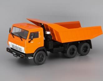 Камский грузовик 5511 Самосвал, Автомобиль на службе 70, оранжевый