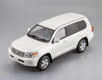 TOYOTA Land Cruiser, white