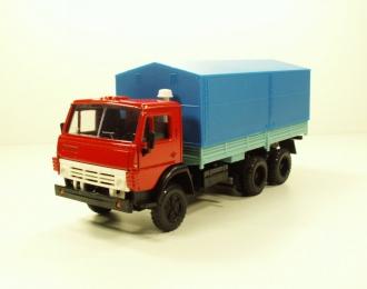 КАМАЗ 5320 с тентом, красный / голубой