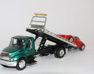 INTERNATIONAL 4200 платформа / эвакуатор с автомобилем Chevrolet, зеленый