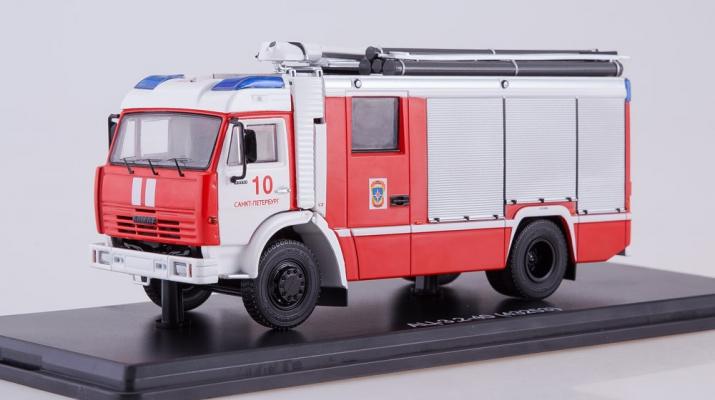 АЦ-3,2-40 (КАМАЗ-43253) Санкт-Петербург, красный