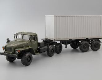 Уральский грузовик 44202 Контейнеровоз, хаки / серый контейнер