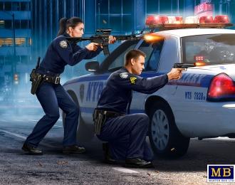 Сержант Джек Мелгоза и патрульный полицейский Салли Тейлор