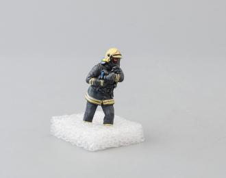 Фигурка Пожарный, ствольщик (вариант 4)
