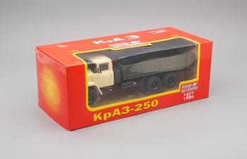 КРАЗ 250 бортовой (1977-1989), бежевый / зеленый
