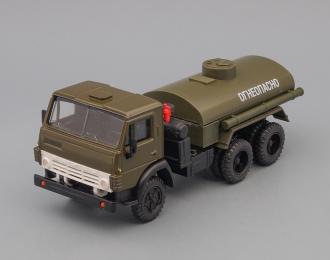 Камский грузовик 5511 бензовоз хаки