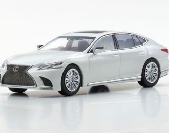 Lexus LS500 (sonic quartz)