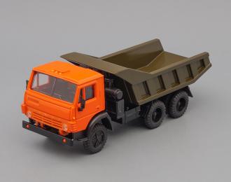Камский грузовик 5511 самосвал (вертикальные ребра), оранжевый/хаки