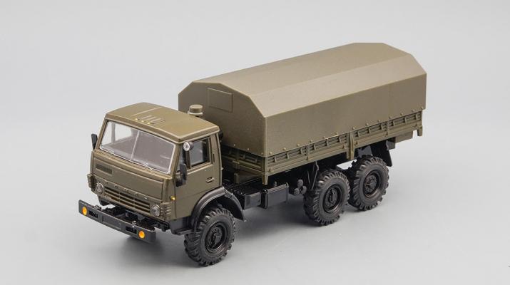 Камский грузовик 4310 с тентом, хаки