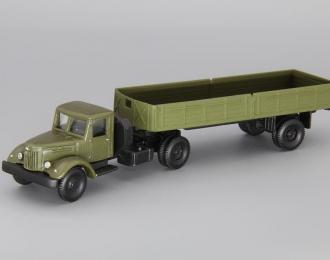 МАЗ-200В с полуприцепом МАЗ-5215, хаки