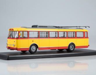 Троллейбус Skoda-9TR, красно-желтый
