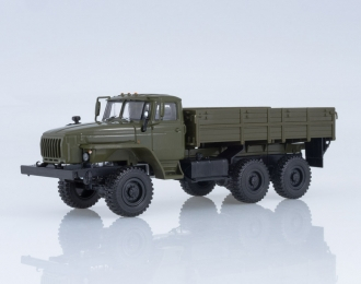 Уральский грузовик 43202 бортовой, хаки