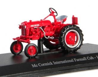 McCormick International Farmall Club Tractor - 1956 (red)