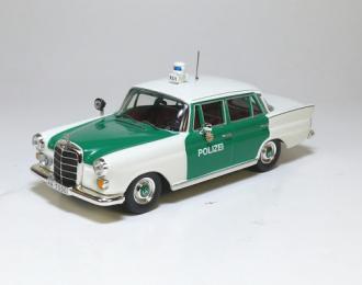 MERCEDES-BENZ 200D Polizei Hamburg Peter, white / green