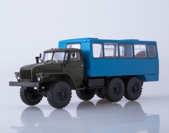 Вахтовый автобус НЕФАЗ-42112 (4320), хаки/синий