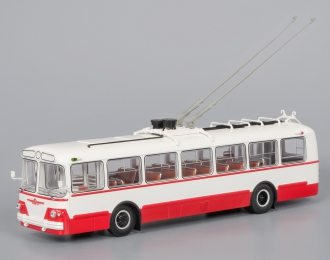 ЗИУ 5 троллейбус (1961-1969), красно-белый